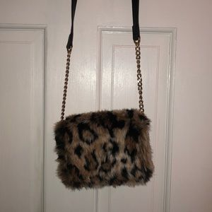 Juicy Faux Leopard Leather Crossbody Chain Bag